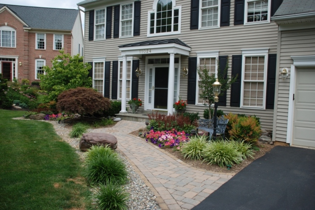 How to design the perfect front foundation garden for Foundation garden designs